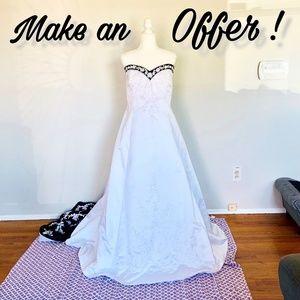 Alfred Angelo Black Train Wedding Dress